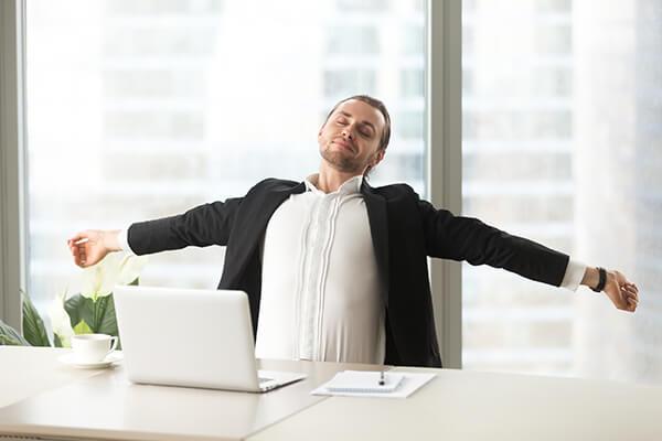 استفاده مثبت از زمان بیکاری در محل کار
