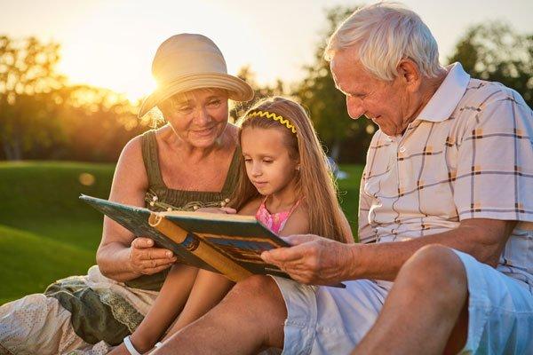 دخالت مادربزرگ و پدربزرگ در تربیت نوه