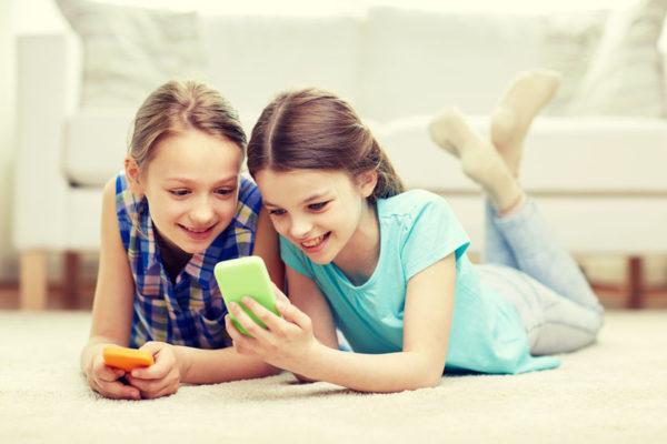 اعتیاد کودکان به تلفن همراه