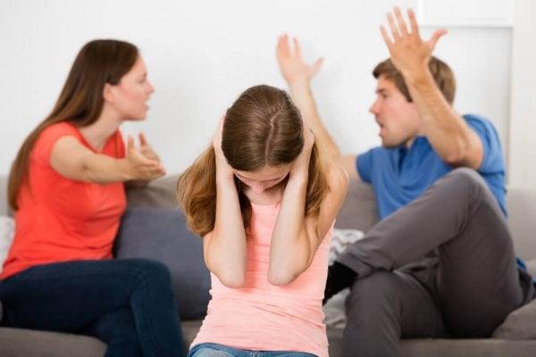 تاثیر اختلاف والدین بر روان کودک