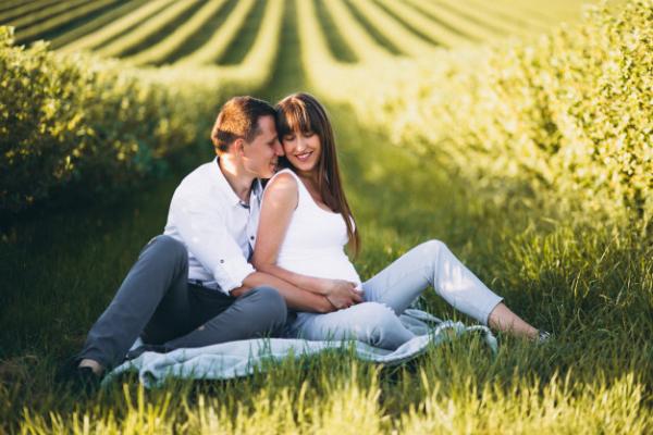 ارتباط با همسر در دوره بارداری