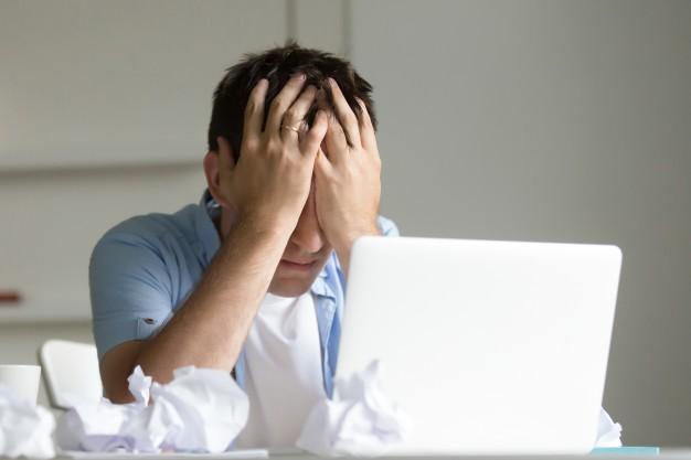 بررسی وضعیت فرد دچار هراس و اضطراب اجتماعی